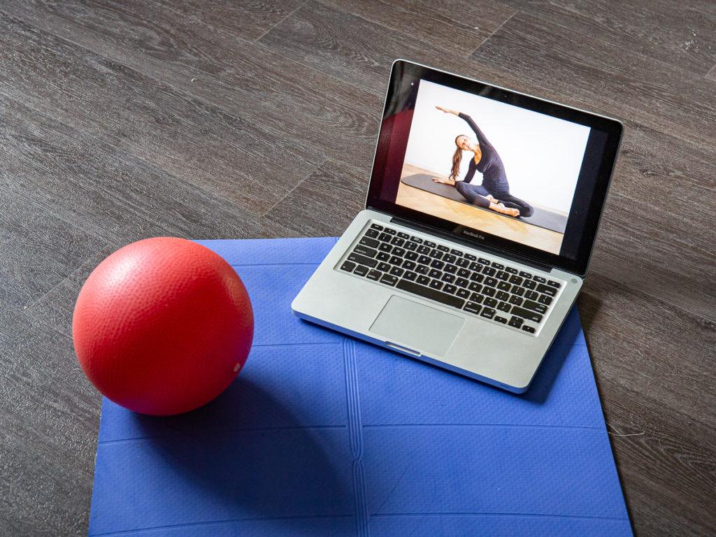 Online pilates classes with Monika